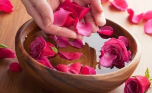 history and uses of rose water – is rose water edible ? what is rosewater ?